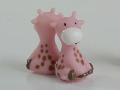 roze raf de giraf magneet doopsuiker amandine brugge